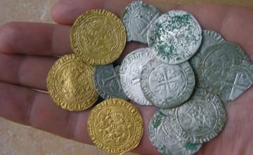 Monedas de oro encontradas con un teknetics t2